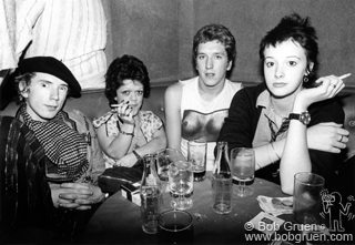Sex Pistols & Johnny Rotten & Steve Jones Photo: Bob Gruen